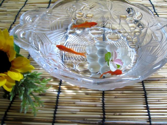 金魚が餌を食べない場合の理由は大きく2つ